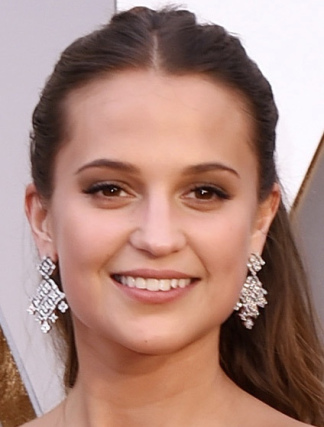 alicia-vikander-best-beauty-oscars-2016-academy-awards