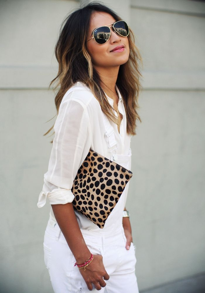 accent-clutch-all-white-outfit